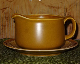 Independence Stoneware Gravy Boat with Underplate / Interpace / Stoneware Gravy Boat / Interpace Gravy Boat / Stoneware Dining