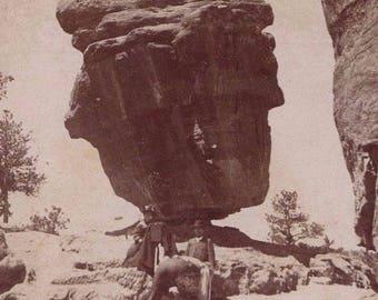 Stereoview Photo Card 1898 9337 Keystone Balanced Rock Colorado Cameraman