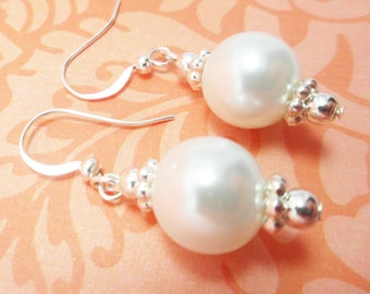 Bridal Earrings White pearl earrings Wedding Earrings bridal jewelry Fashion Jewelry Glass pearls Silver earrings Drop Earrings Bloomsy Lu
