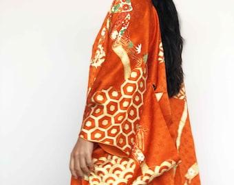 Stunning orange bamboo silk kimono long robe for your vintage wedding day - vintage clothing