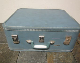 """Blue STRATOMASTER Suitcase  ,  Hard Sided  Luggage  21"""" by 18"""" by 8.25""""  , Stratomaster lugage"""