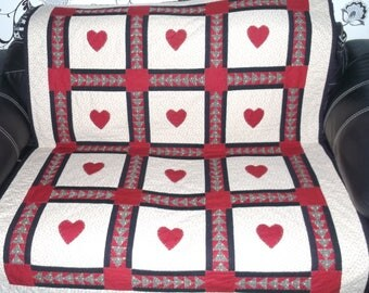 Love Heart quilt *FREE SHIPPING* Appliquéd heart lap quilt Hand quilted patchwork throw  Colourful bed topper Lovingly designed and handmade