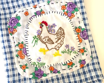 Country chicken - Hand embroidered tea towel