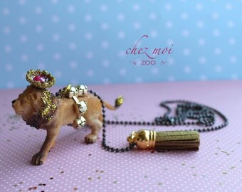 Lion Necklace / Romantic Necklace / Girls Zoo Necklace / Fabric Jewelry / Sweet and Lovely Necklace / Kids Gift / Jewelry