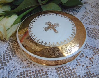 French vintage Limoges porcelain trinket box and ring dish. Confirmation gift. Rosary box. Gilded. Gold. Communion gift. Christian gift
