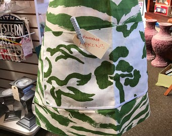 Vintage inspired multipurpose apron