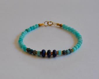 """Bracelet fantaisie précieux, pierres amazonites et lapis lazulis facettés : Modèle """"Lisalou"""""""
