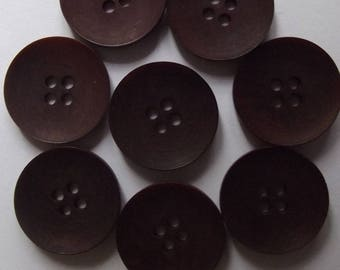 16 Brown 18mm in diameter, plastic with 4 holes buttons