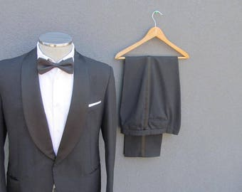 Vintage Mens Tuxedo Black Two Piece Tuxedo Suit 42R Large Lrg L / Wedding Tux / Formal wear / Special Occasion / Made in Denmark