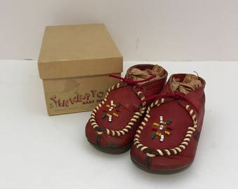 Vintage Tinker Tots Red Beaded Baby Moccasins Sz 2 in Original Box