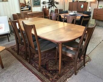 Broyhill Brasilia Table, 6 Chairs U0026 3 Leaves!