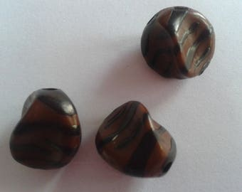 X 2 Brown zebra-striped black beads 17mm