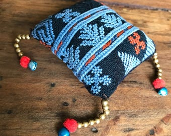 Embroidered pillow zipper charm