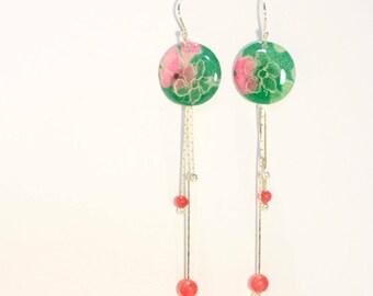 Boucles d'oreille pendantes vertes à fleur et dentelle blanche en argent