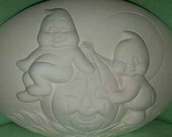Ghosts with Pumpkin Insert