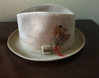 Mens Dobbs Fifth Avenue New York Tan Suede Leather Fedora Hat 7 3/8