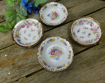 Mixed Set of 4 Vintage A W J Gremany Berry Bowls