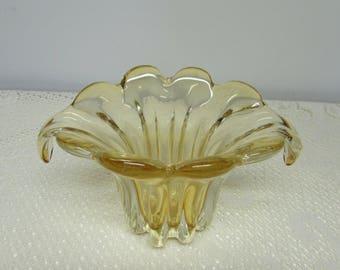 Art Glass Vase ~ Yellow Vase ~ Mid Century Décor ~ Amber Glass ~ Scalloped Top ~ Tulip Vase