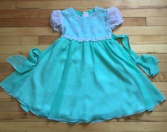 Vintage 1980s Girls Green Floral Sheer Dress! Size 6