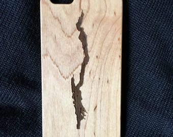 iPhone 7+ MAPLE wood and polycarbonate phone case - Lake George Etched