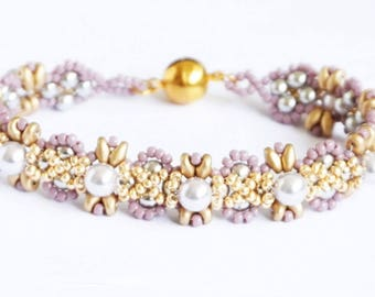 beadwork bracelet,  Swarovski  lavender pearls, handmade bracelet, beadwork bracelet, Swarovski pearls bracelet, unique gift idea for her