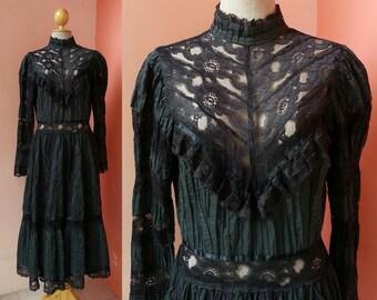 Mexican Dress 70s Dress Black Dress Vintage Dress 1970s Dress Women Hippie Dress Boho Dress Lace Cotton Maxi Dress Long Sleeve Large Size 12
