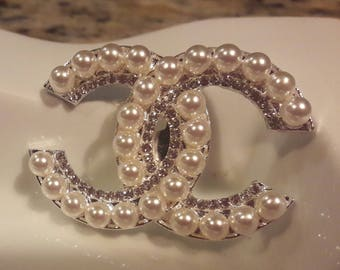 Free shipping-Beautiful silver faux pearl brooch