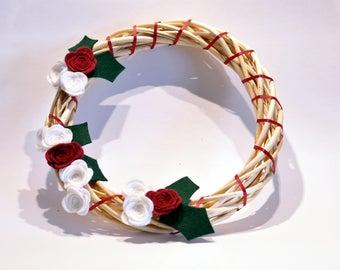 Felt flower Christmas Wreath / Wicker wreath / Handmade decorations / Red and White  Christmas / Xmas wreath / Door wreath