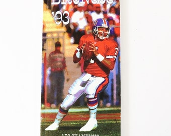 1993 Denver Broncos Media Guide - John Elway Cover