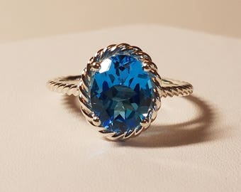 NEW!! Oval Swiss Blue Topaz Ring in Sterling Silver Cathedral Setting