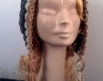 Acrylic and wool hood style hat