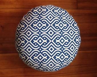 "Round Cushion 21"" Diameter - 7"" Loft, Blue and White Geometric"
