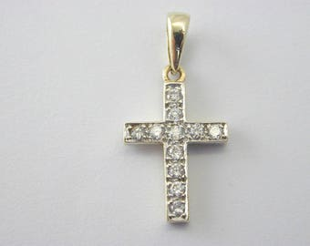9ct Yellow Gold Cubic Zirconia Cross Pendant 1.6g