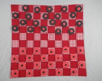 Jeux005 - Ladies red, black and felt coasters set