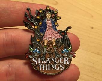 Stranger Things Hat pin Le 100