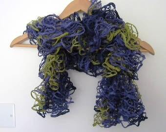 Frilly lace scarf