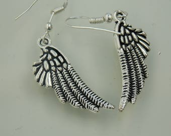 Silver plated // Winged earrings