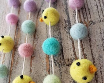 Easter chicks garland. felt ball garland decor, Easter decor Garland 6ft. Easter Garland. Yellow Easter chicks. Yellow chicks