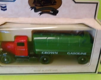 Chevron Metal Die Cast -- Crown Gasoline Semi Truck and Trailer -- Made In England -- New In Box
