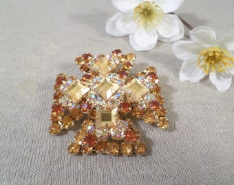 JULIANA! Beautiful Vintage Gold Tone Prong Set Crystal Rhinestone Maltese Cross Brooch  DL#2753