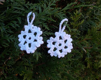 Snowflakes to hang your Christmas tree