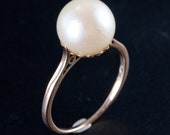 Vintage 1950's 14k Yellow Gold Natural Cultured Round Pearl Solitaire Ring 2.2g