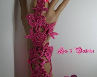 1 model long hot pink lace wedding mitten * Shamrock *.