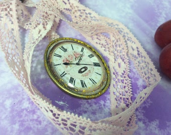 Necklace romantic shabby chic pink Medallion lace clock