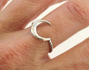 Sterling Silver Ring, Silver Moon Ring, Silver Crescent Moon Ring, Twist Ring, Silver Ring, Silver Band Ring, Oxidized Silver Ring