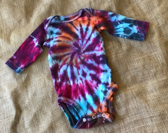 Baby Tie Dye Onesie (3 months) - Carter's brand - Long Sleeve Onesie - Hand Dyed
