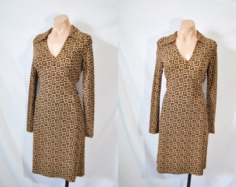 Vintage 70s Brown Long Sleeved Wrap Dress Collared Low Neck Day Dress Mid Length Wedding Guest Dress Plunging Neckline Disco Party Dress