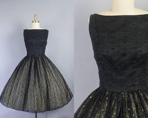 1950s Black Floral Dress/ Small (36b/26w)