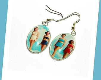 Earrings oval pin - ups at the beach