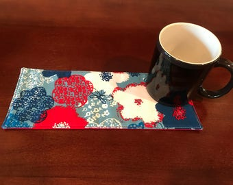 Red, White, and Blue Floral Mug Rug